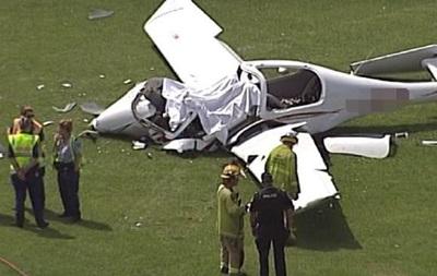 В Австралії двоє людей загинули в авіакатастрофі