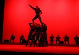 Балет Сухишвили поставил в Киеве самый сложный танец на коленях