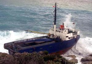 Пьяный капитан посадил латвийское судно на мель