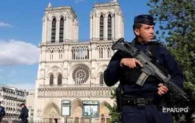 Во Франции нормы чрезвычайного положения переделывают в закон
