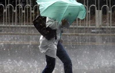 На Украину надвигаются дожди с сильным ветром
