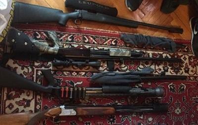 Киевлянин в квартире хранил арсенал оружия