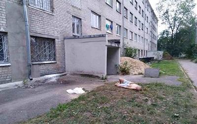 Самогубство в Харкові: хлопець викинувся з п ятого поверху
