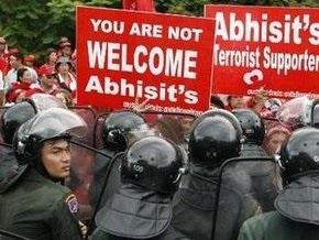 В Таиланде оппозиция сорвала саммит АСЕАН