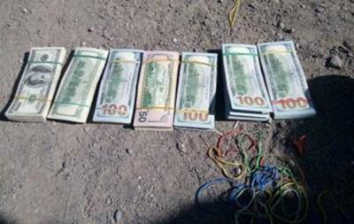 Українець намагався провезти в ДНР 70 тис. доларів