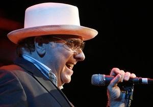 64-летний певец Ван Моррисон стал папой