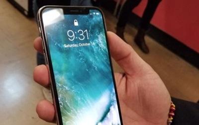 У Мережі з явилися  живі  фото флагмана iPhone X