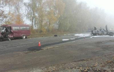 У Вінницькій області зіткнулися автомобіль і мікроавтобус
