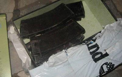 В Бахмуте мужчина хранил в кладовке арсенал оружия