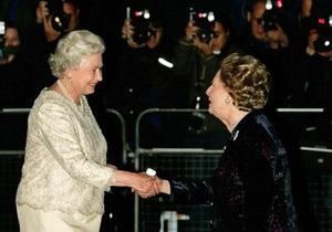 Британская королева соболезнует семье Тэтчер