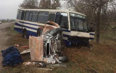 В Николаевской области столкнулись автобус с Москвичом: погиб человек