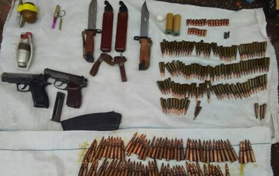 У Кіровоградській області у місцевого жителя знайшли арсенал боєприпасів