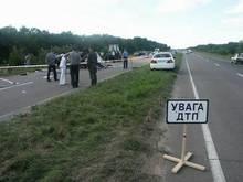 В ДТП на Днепропетровщине и в Крыму погибли четверо людей, среди них - двухлетний ребенок