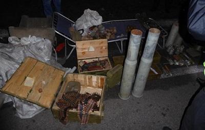 В Киеве задержали авто с арсеналом боеприпасов