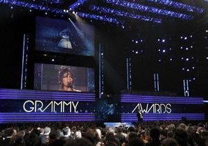 Церемония Грэмми началась с молитвы об Уитни Хьюстон