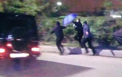 В аэропорту Киев неизвестные напали на журналистов