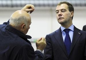 Единая Россия назвала причину отставки Лужкова