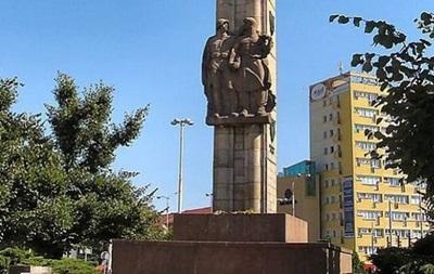 В польском Щецине демонтируют памятник красноармейцам