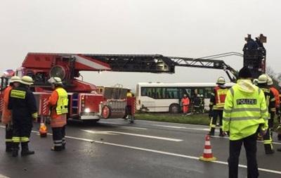 У Німеччині в ДТП потрапив шкільний автобус: 28 постраждалих
