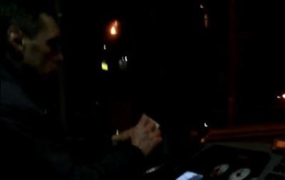 В Киеве маршрутчик на ходу считал деньги и смотрел сериал – соцсети