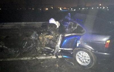 У Харкові зіткнулися BMW і автобус, загинула людина