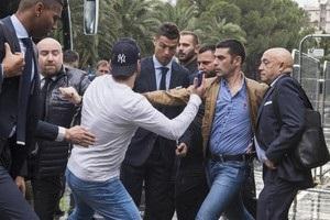 Фанат прикинувся журналістом заради селфі з Роналду