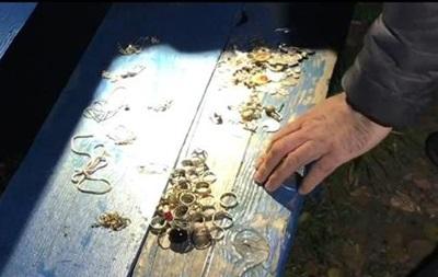 У Києві грабіжник виніс із церкви ювелірні прикраси
