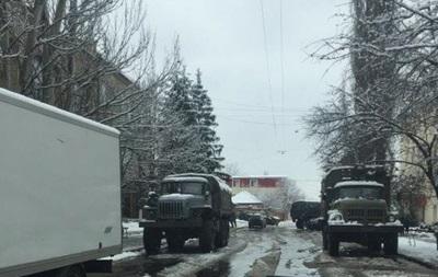 ОБСЕ: Луганск заполонили вооруженные люди и военные авто