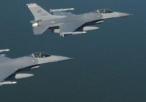 В США из-за драки на борту авиалайнера в небо подняли два истребителя F-16