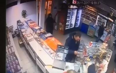 Пограбування магазину сином нардепа-радикала: з явилися подробиці