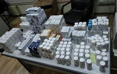 В аеропорту Одеси знайшли валізу з ліками на $120 тисяч