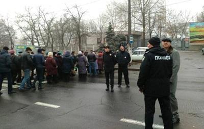 У Миколаєві робітники Суднобудівного заводу перекрили дорогу