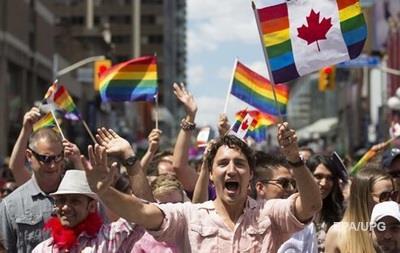 Трюдо извинился за дискриминацию гомосексуалов