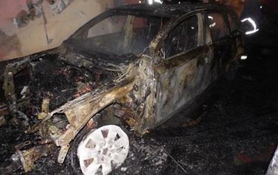 У Рівному бізнесменові спалили позашляховик Audi