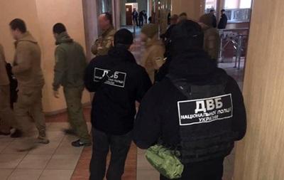 В Одессе трое полицейских украли у инкассаторов $120 000