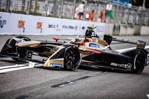 Пілот Формули-Е виграв кваліфікацію, фінішувавши  задом