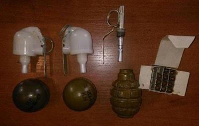 У Донецькій області на блокпосту затримали чоловіка із гранатами