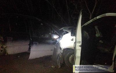 У Тернопільській області сталася потрійна ДТП, є жертви