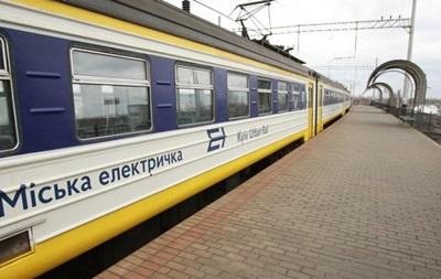 В Киеве электричка насмерть сбила мужчину