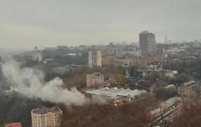 В центре Киева горят склады