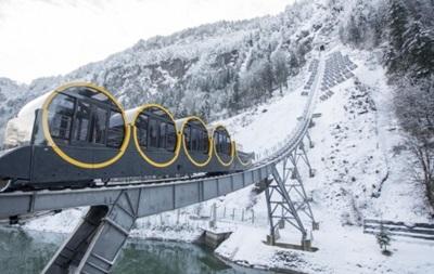 В Швейцарии открыли самый стремительный фуникулер в мире