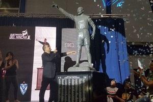 В Аргентині відкрили статую легендарного воротаря Чілаверта