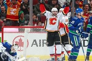 НХЛ: Вегас обіграв Флориду, Калгарі розгромив Ванкувер