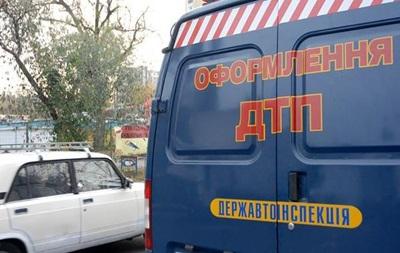 У Львівській області зіштовхнулися три мікроавтобуси, постраждали п ятеро людей