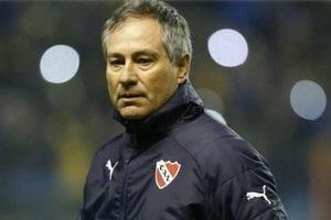 Головний тренер Індепендьєнте звільнився через погрози фанатів