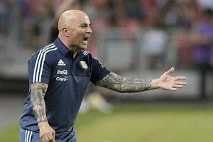 Наставник сборной Аргентины в нетрезвом виде оскорбил полицейского