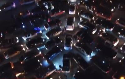 В Запорожье создали рекордную елку из авто