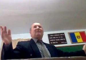 Молдавский преподаватель уволился после скандальной лекции, на которой посоветовал русским ученикам  убираться  в Россию