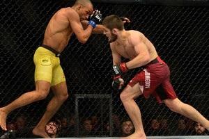 UFC 219: Нурмагомедов повернувся в Октагон із перемогою над Барбозою