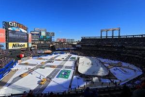 НХЛ: Рейнджерс в овертайме добыл победу над Баффало в Зимней классике